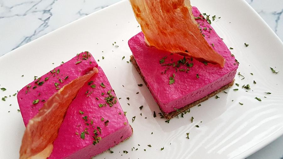 Bietjes-bloemkoolmousse torentje met ham